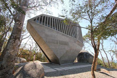 BNKR: Sunset chapel en Acapulco