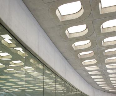 Zaha Hadid: Aquatic Centre a Londra