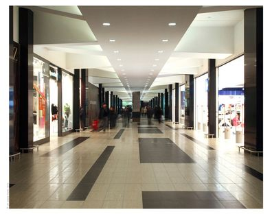 Cherubino Gambardella: centro comercial Liz Gallery