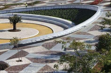 Costa-Fierros: Parque de la Música en Sevilla