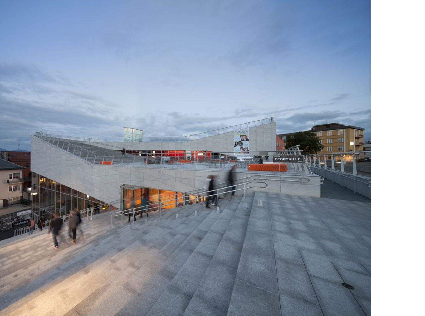 3XN architects: Cultural Center Plassen en Noruega