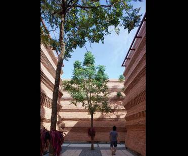 Boonserm Premthada: Escuela de cine Kantana