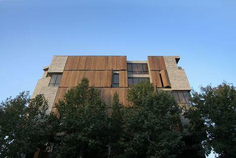 Mehdizadeh: arquitectura con revestimiento reciclado en Mahallat