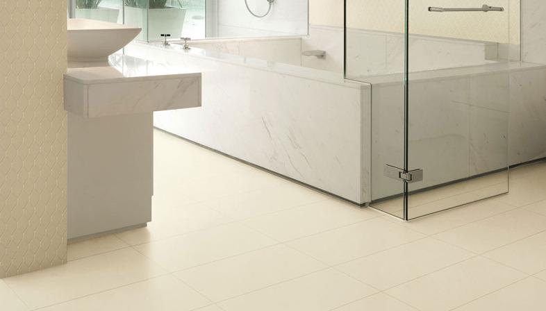 Menos es más: ambientes minimalistas con superficies de gres.