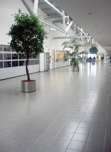 Pavimentos sobreelevados para mejorar lugares públicos y oficinas
