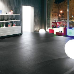 Efectos luminosos en las superficies de gres: Pietra di Brera y Grafite