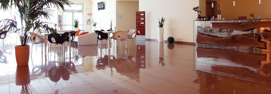 FMG Active: suelos de cerámica técnica ecoactiva y anticontaminación