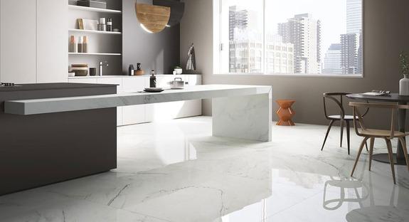 Suelos en efecto mármol de gran formato de Maximum GranitiFiandre