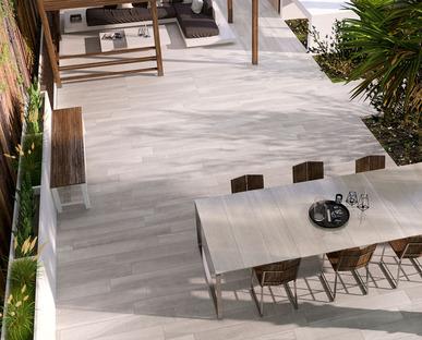 El exterior como nueva sala de estar: las soluciones Iris Ceramica para los espacios al aire libre