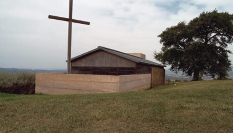 Pavimenti in pietra per un'architettura religiosa in Maremma