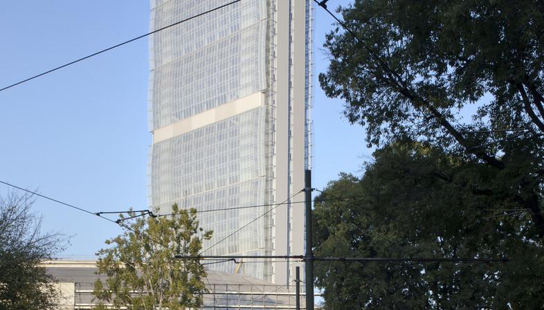 La fachada de la Allianz Tower de Milán – Andrea Maffei