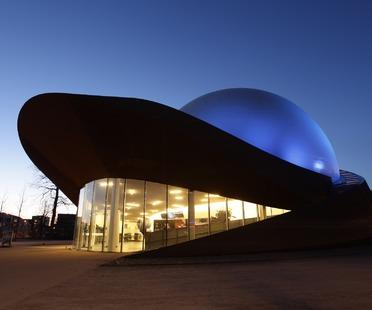 Teatro 3D in acciaio, l'Infoversum di Groningen