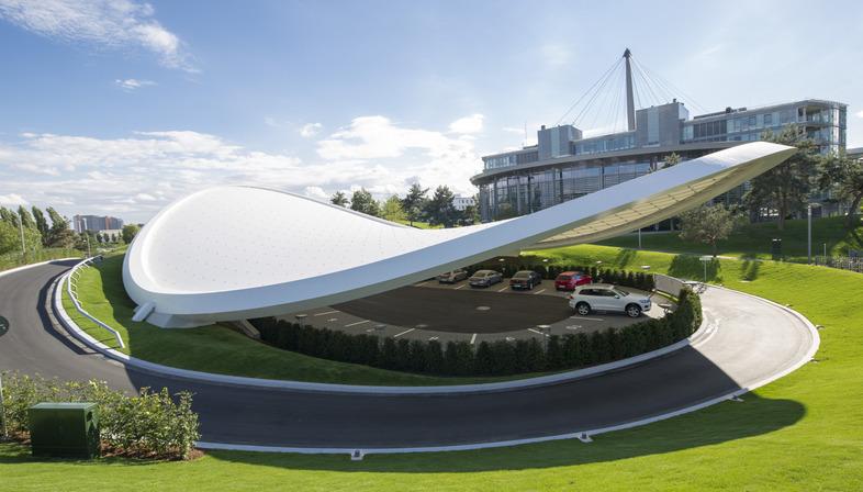 Paraboloide hiperbólico de acero y PTFE para el minicircuito de la Volkswagen