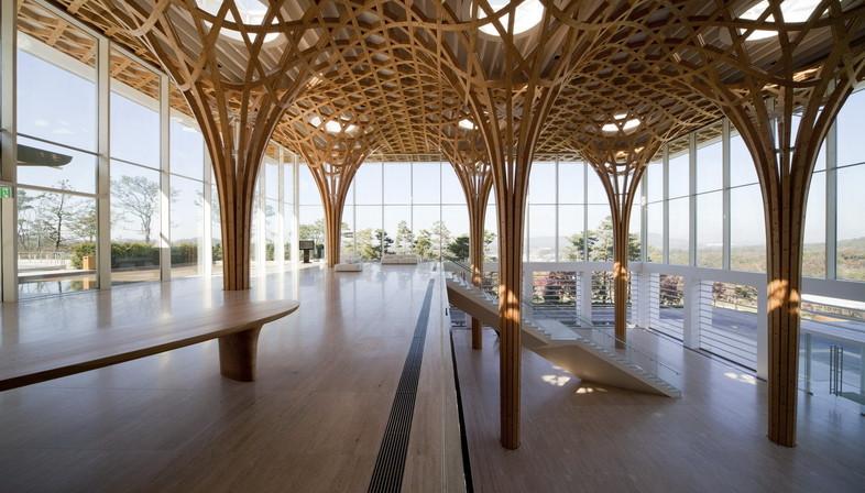Estructura de madera curvada para el Club de Golf situado en Yeoju, Gyeonggi, Corea del Sur, de Shigeru Ban