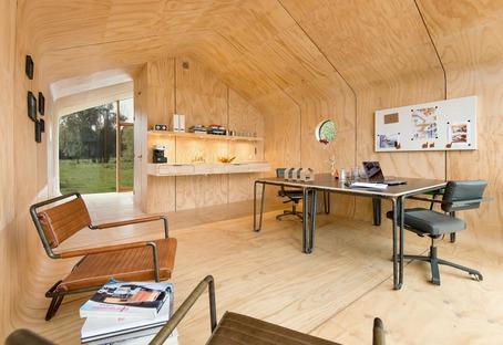 Casa de cartón y madera Wikkelhouse