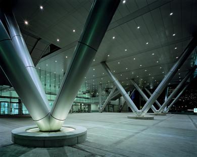Centro de Convenciones y Exposiciones de acero y vidrio en Boston, por Rafael Viñoly