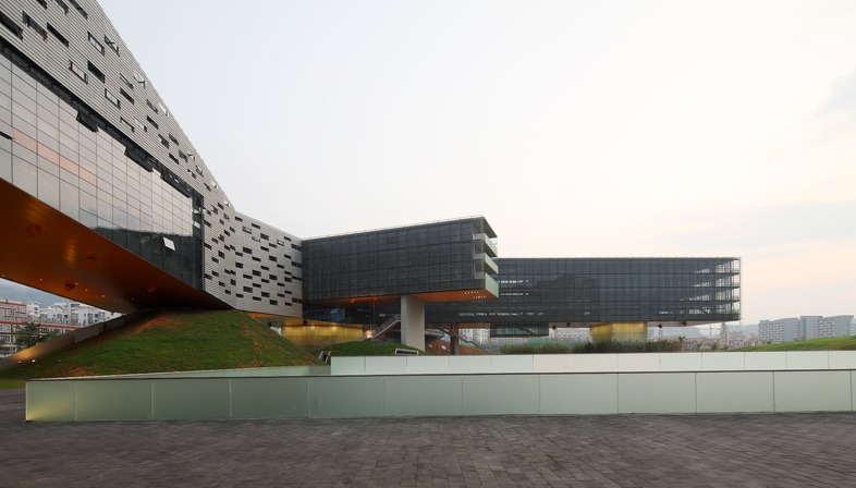 El rascacielos horizontal de Steven Holl en Shenzhen en China