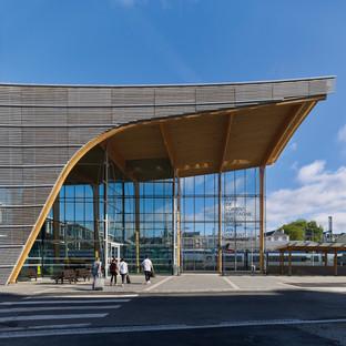 Estructura de madera laminada y vidrio para la estación de LORIENT-BRETAGNE SUD de AREP