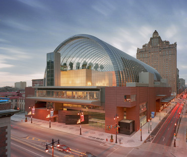 Música bajo una bóveda de cristal y acero en el Kimmel Center de Viñoly en Filadelfia