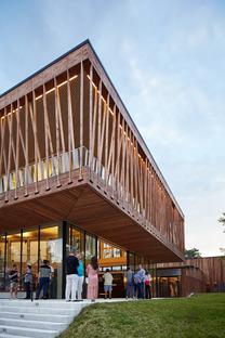 Tensoestructura de madera para el Writers theatre de Studio Gang