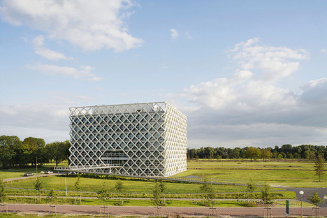 Esoscheletro prefabbricato per il Wageningen University and Research Centre di Rafael Viñoly