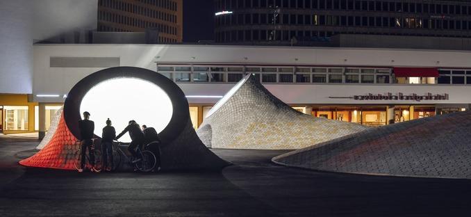 Cúpulas de cemento del museo Amos Anderson Art Museum, por JKMM, en Helsinki