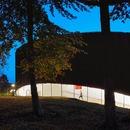 Fachada de madera para el nuevo Centro Cultural del Wellington College, por Seilern Architects