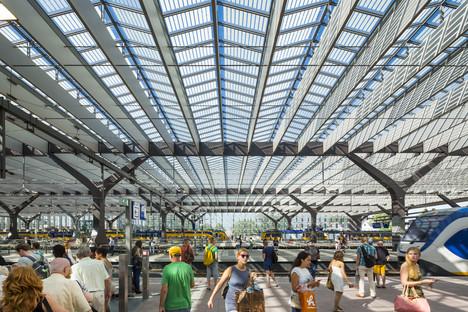 Vidrio, aluminio, cemento y madera para la Rotterdam Centraal Station
