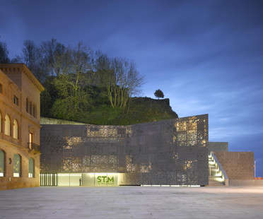 Fachada de aluminio fundido para el museo de Nieto y Sobejano, en San Sebastián