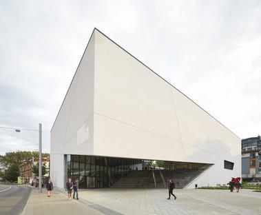 Cemento y mortero para el Mo Museum, por Libeskind