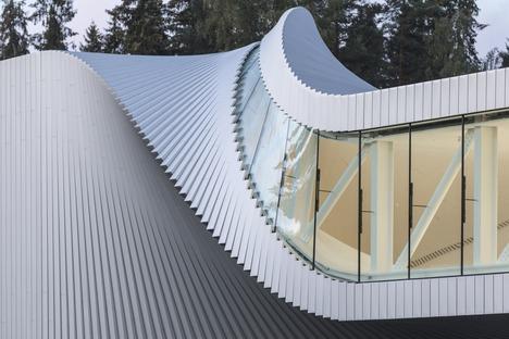 The Twist Museum por Big, acero, madera pintada y aluminio.
