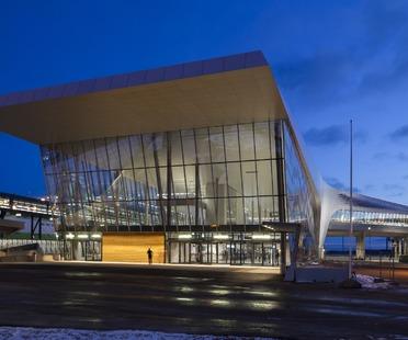 West Terminal, de acero y cemento, por PES Architects en Helsinki