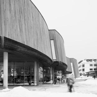 La Wiedemannsalen, por Snøhetta, de acero inoxidable
