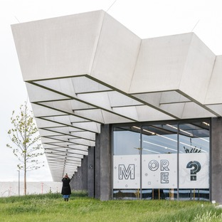 Grandes vigas de cemento para la sede corporativa de Adidas, por COBE