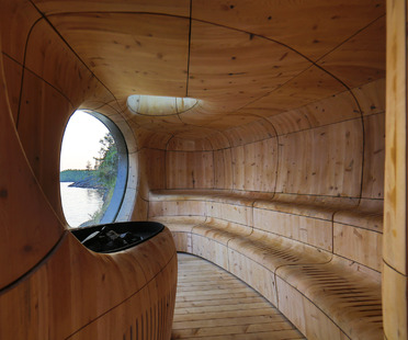 Grotto Sauna de madera preenvejecida, por Partisans