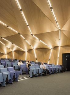 Celosías fijas de aluminio para el AGORA, por Behnisch Architekten