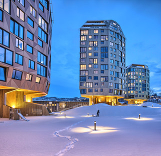 Torres de cemento, madera y aluminio, por Helen & Hard Architects