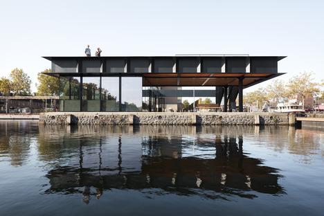 Pabellón de acero con vigas Vierendeel en Tilburg, por CIVIC