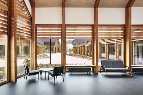 Madera y arcilla cocida para un centro social en Cabourg, por Lemoal Lemoal Architects
