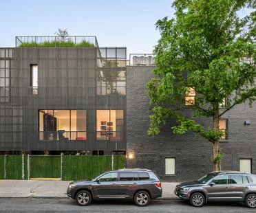 Una arquitectura con fachada de zinc, por Young Projects, en Nueva York