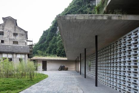 Un edificio de cemento y de bloques de cemento, por Vector Architects