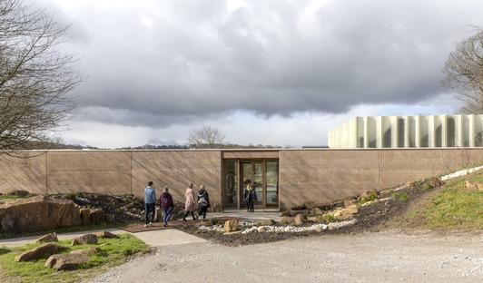 Cemento estratificado y madera en el Yorkshire Sculpture Park de Feilden Fowles Architects