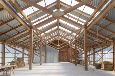 Waterloo City Farm, un proyecto de Feilden Fowles de madera y chapa