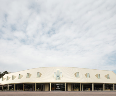 Park Pavilion, de madera y ladrillos, por Monadnock & De Zwarte Hond