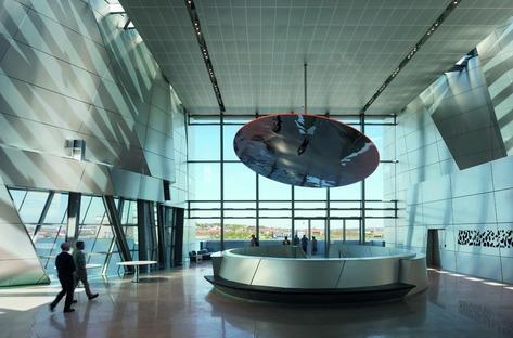House of Music, por CoopHimmelb(l)au, de acero, concreto y aluminio