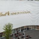 La Home of Chocolate, por Christ & Gantenbein, de ladrillos esmaltados y cemento armado